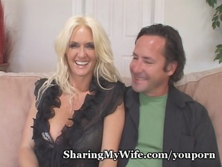 sexy cougar implores for young weenie