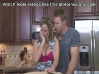 me fucking my mom - hornbunny.com