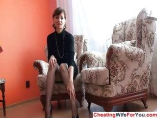 mature lady shows cum-hole