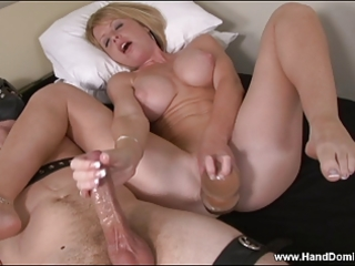 d like to fuck masturbates herself whilst giving