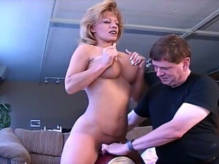 busty horny mamma wants to get nasty daddy