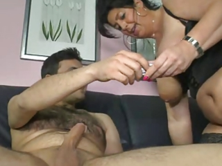 german mamma shows boy how to make a woman cum