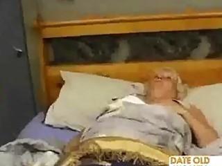 plump older copulates the massage boy