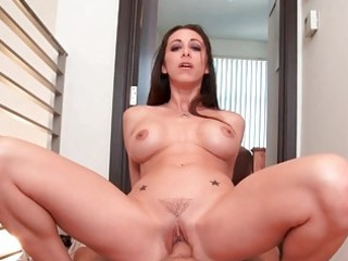 classy amateur wife gives fantastic head