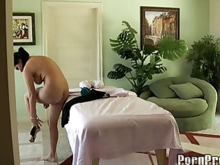 nadias pervert masseuse experience
