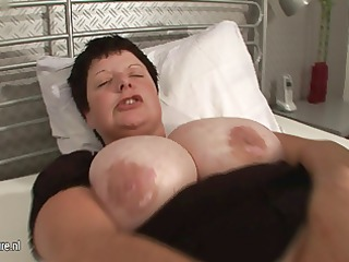 large titted mama squirts heavily when she cums