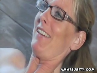 hot amateur d like to fuck sucks and copulates