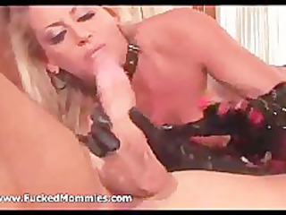 bisexual blond moms fist pussies and get butts