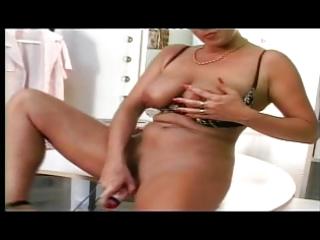 shorthaired german d like to fuck masturbating