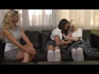 schoolgirls and older blonde have a lesbo some