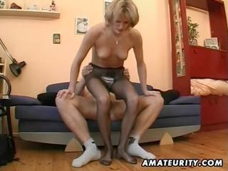 hawt amateur d like to fuck masturbates, sucks