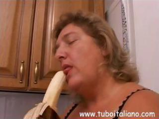 captivating italian d like to fuck with a loose